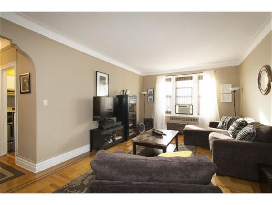 New York City Real Estate | View Avenue I | room 3