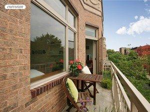 675 Sackett Street, 310, View
