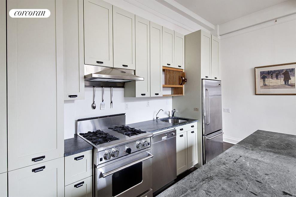 New York City Real Estate | View 15 West 67th Street, #5RE | room 7