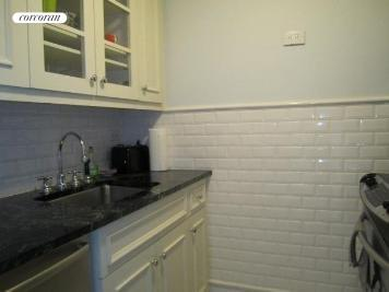 160 West 66th Street, 17H, Kitchen