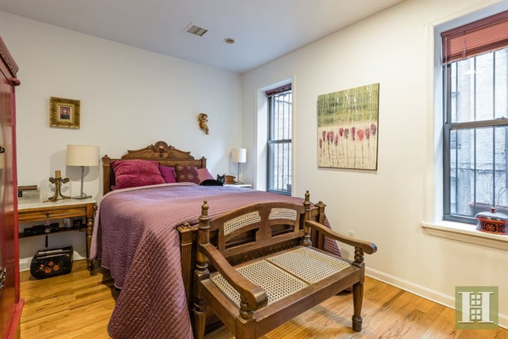 New York City Real Estate | View Eastern Parkway | room 8