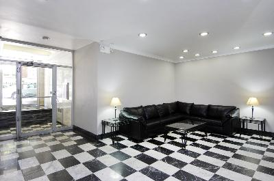 225 East 76th Street, 5C, Living Room