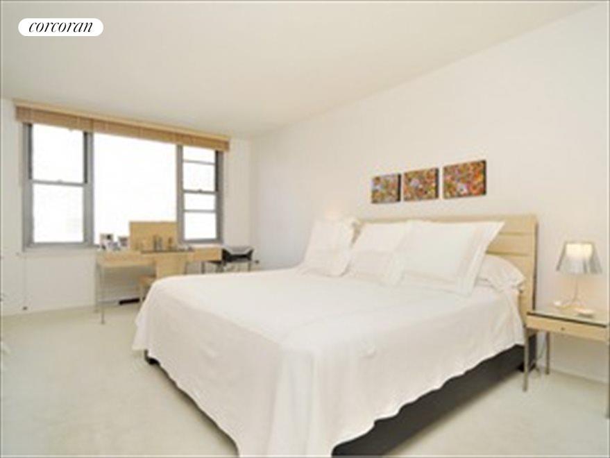 Large master bedroom with en-suite bath