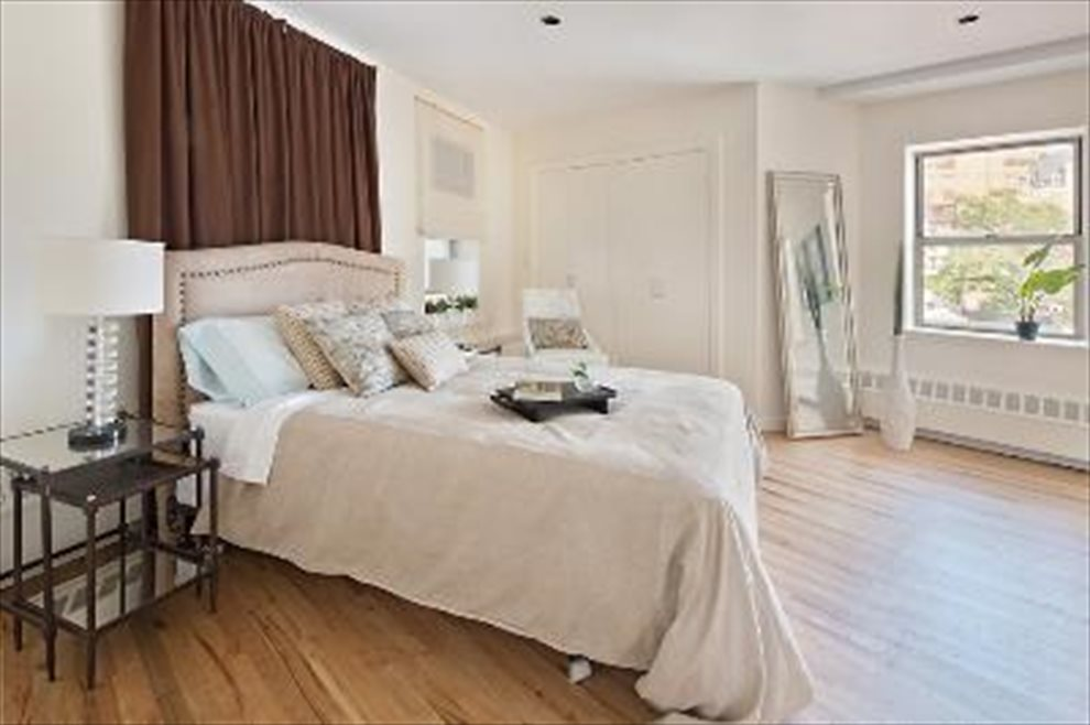 New York City Real Estate | View 692 Greenwich Street #PH5 | room 3