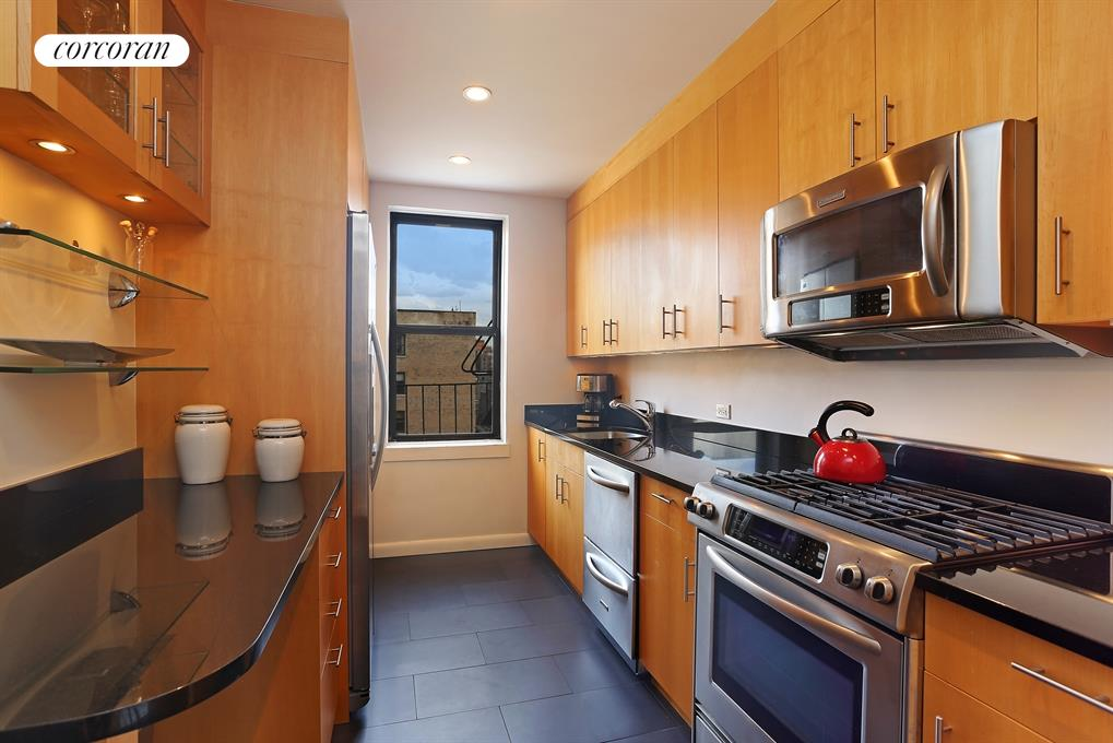 158-18 RIVERSIDE DRIVE WEST, 7A, Kitchen