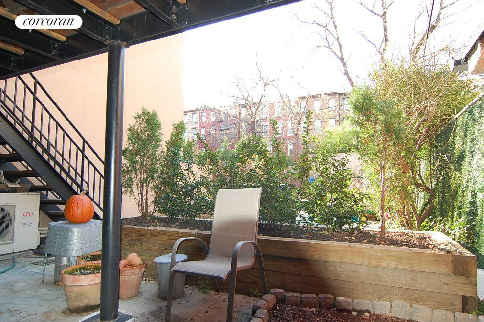 160 St Marks Avenue, 1, Outdoor Space