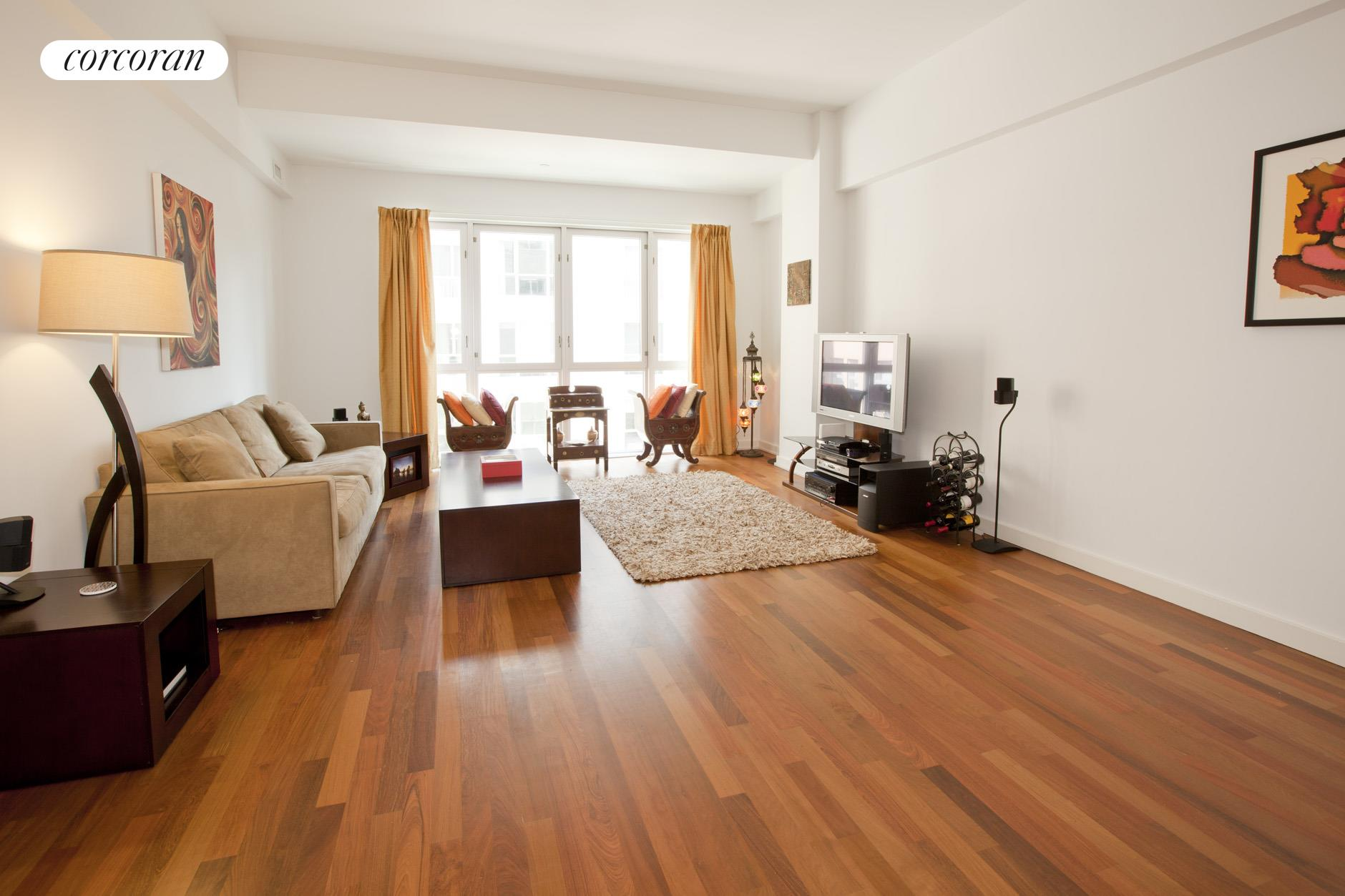 125 North 10th Street, S3A, Living Room