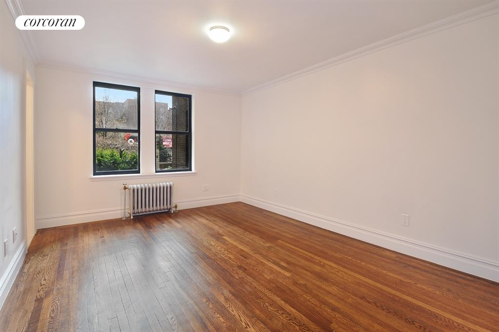 148-09 Northern Boulevard, 1F, Kitchen / Living Room