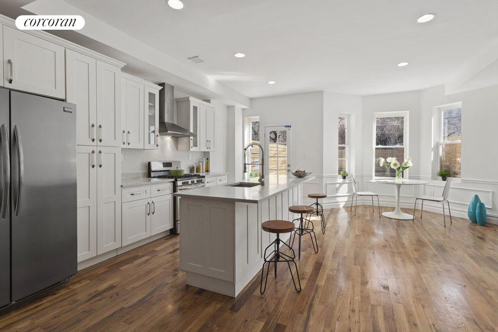 Eat-in kitchen with great storage