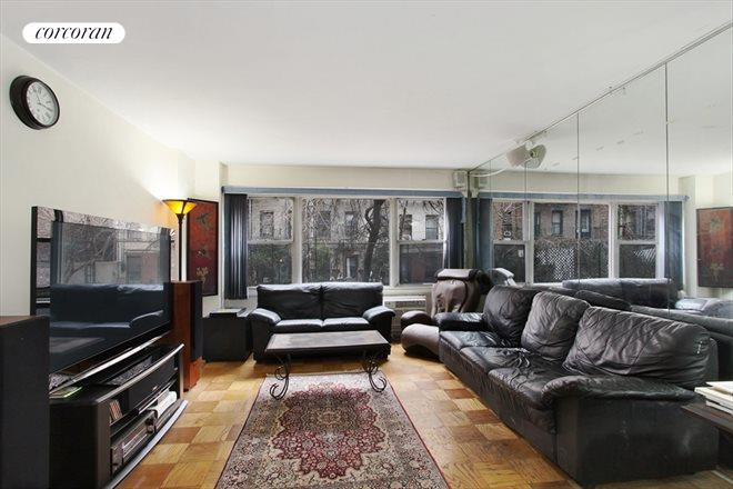435 East 65th Street, 2A, Living Room