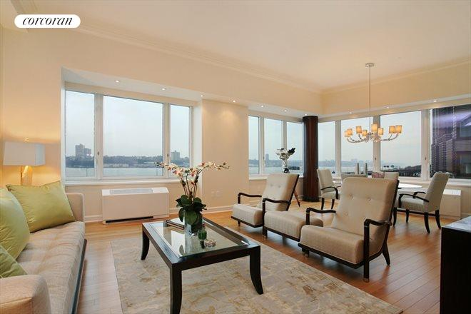80 Riverside Blvd, 7C, Living Room