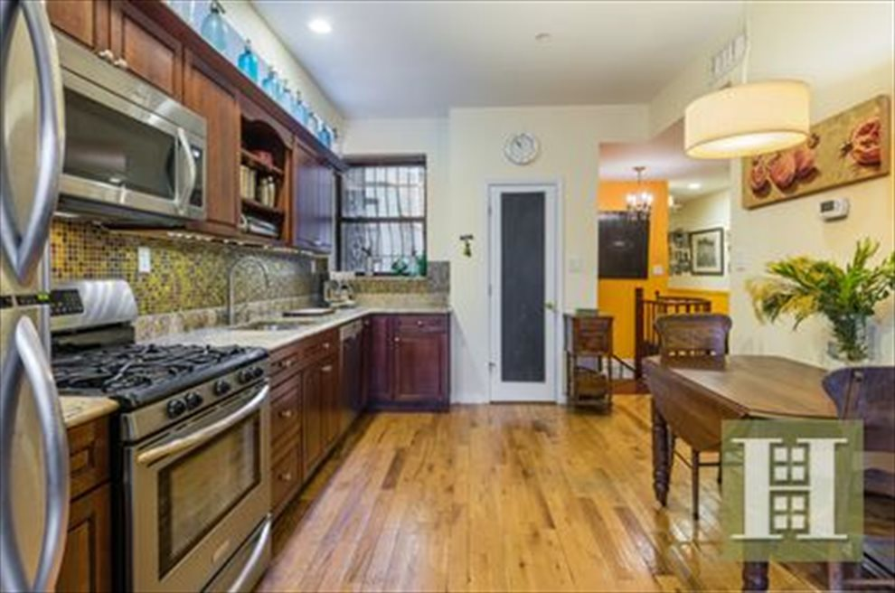 New York City Real Estate | View Eastern Parkway | room 1