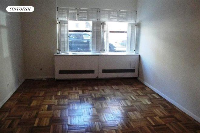 Corcoran 510 east 86th street apt 1e upper east side for Living room 86th street