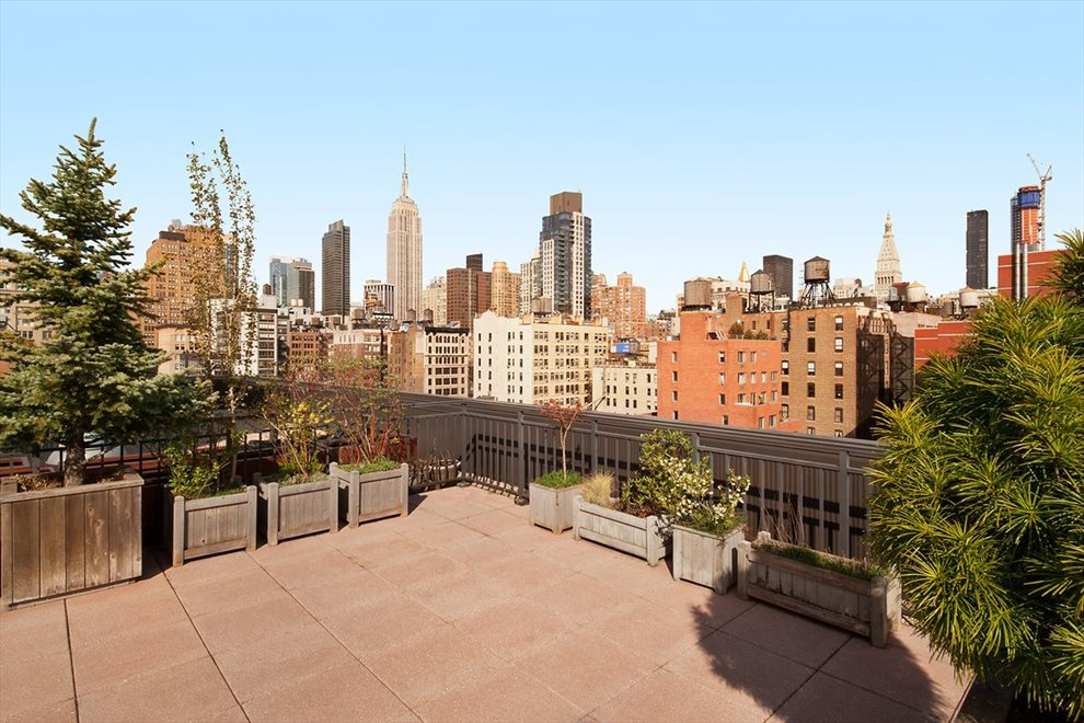 New York City Real Estate | View West 21st Street | room 5