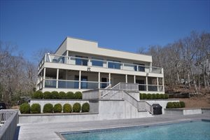 21 Maple Street, Montauk