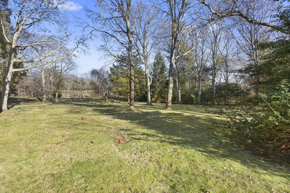 3/4 acres per property