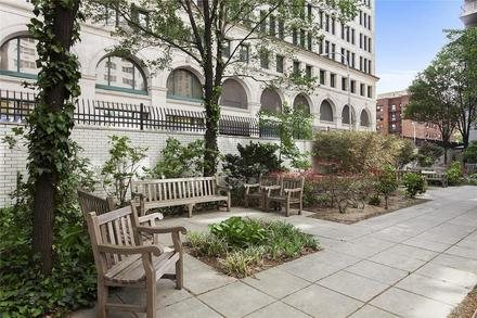 70 East 10th Street, 3R, Expansive Living / Dining