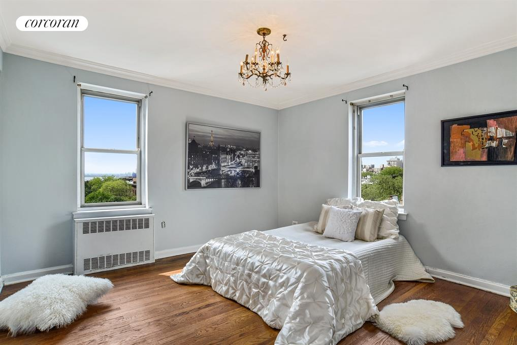 200 Congress Street, 6C, Overlooking Cobble Hill Park...