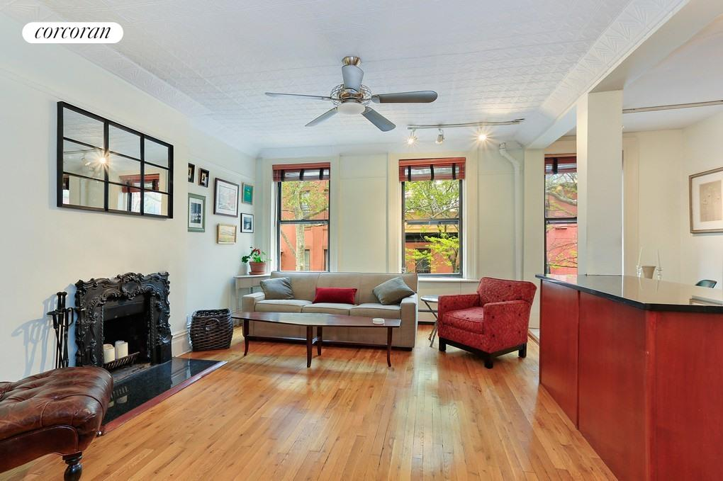 8 Sidney Place, 3, Living Room