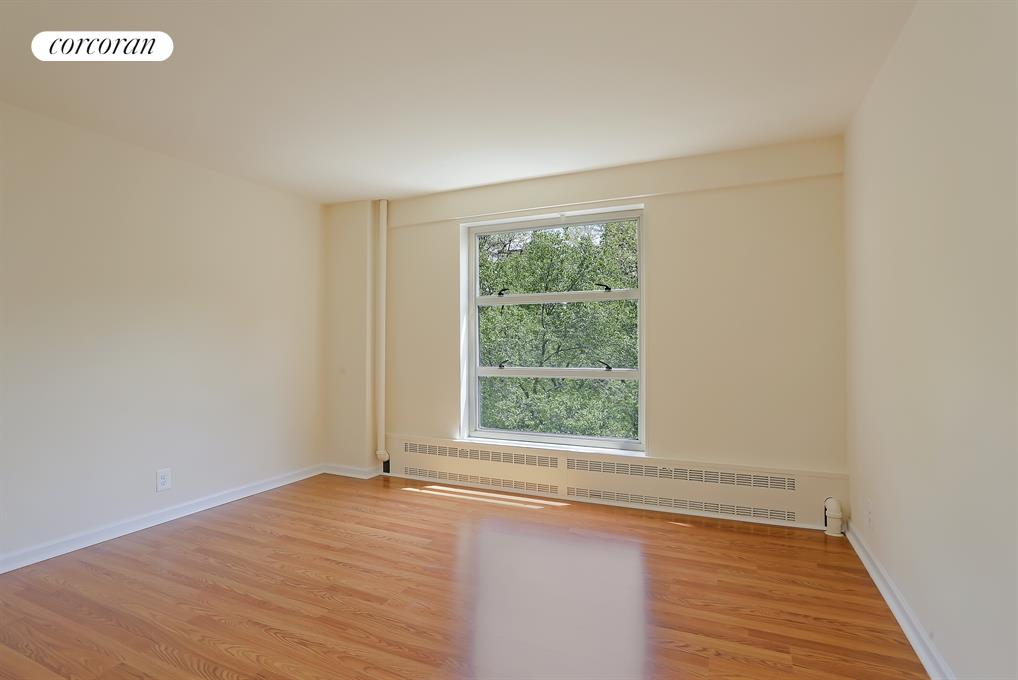 549 West 123rd Street, 5F, Living Room