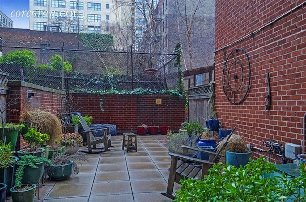 New York City Real Estate | View 2 CHARLTON ST, #6J | Serene and quiet L-shaped common garden.