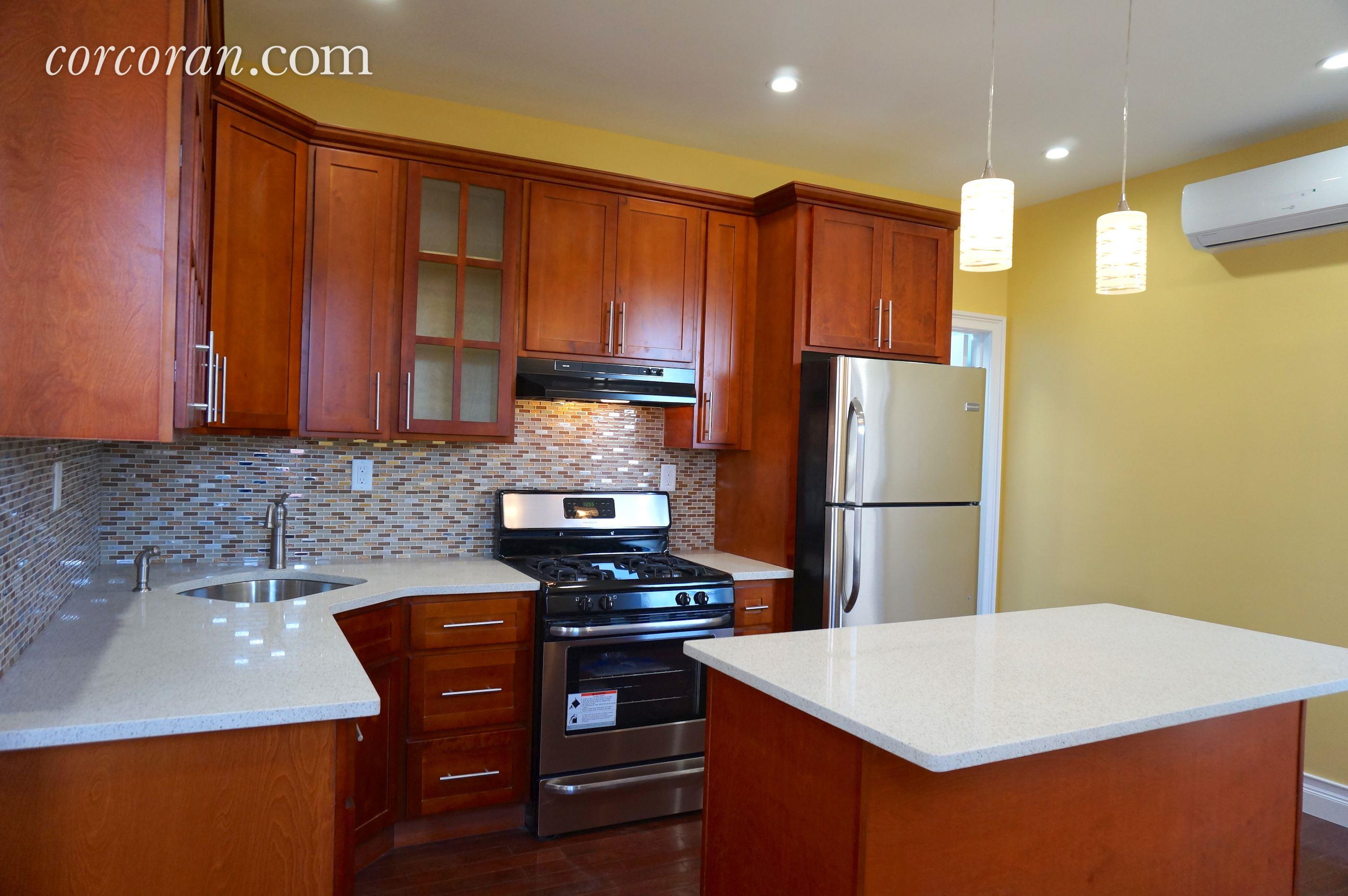 2902 Beverley Road, 2, Kitchen