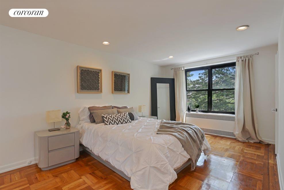 Serene, King-Sized Master Bedroom w/Ensuite Bath