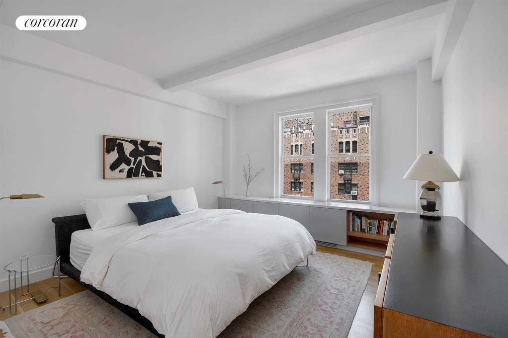 40 West 72nd Street, 152-154, Living/Dining Room