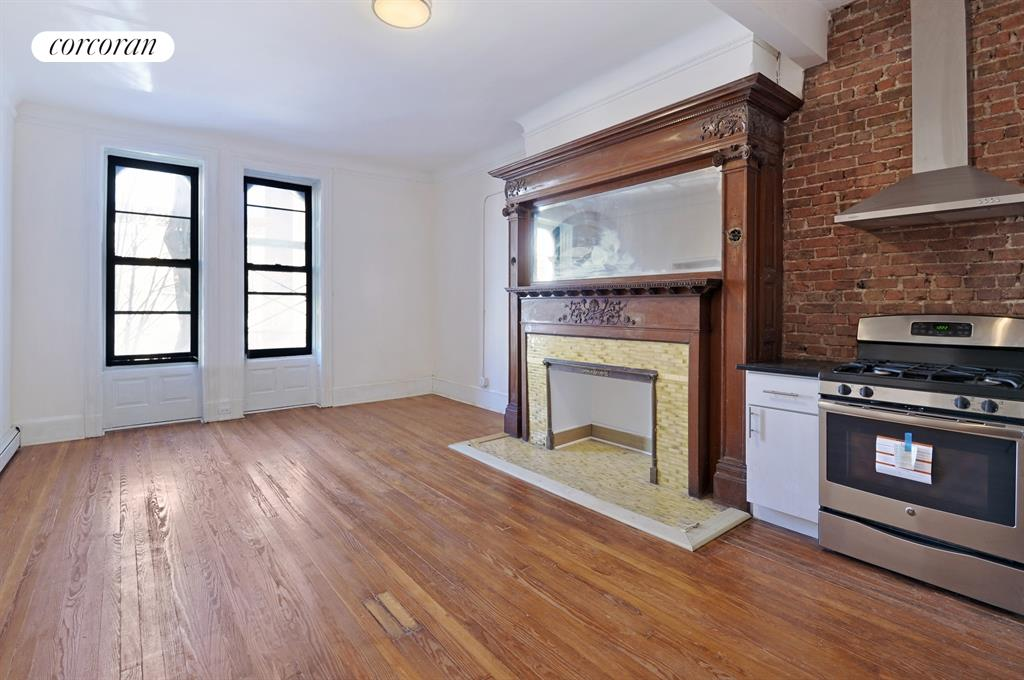672 Saint Marks Avenue, 3R, Living Room / Dining Room