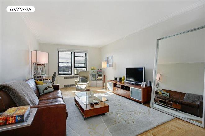 50 PARK TERRACE EAST, 4B, Living Room