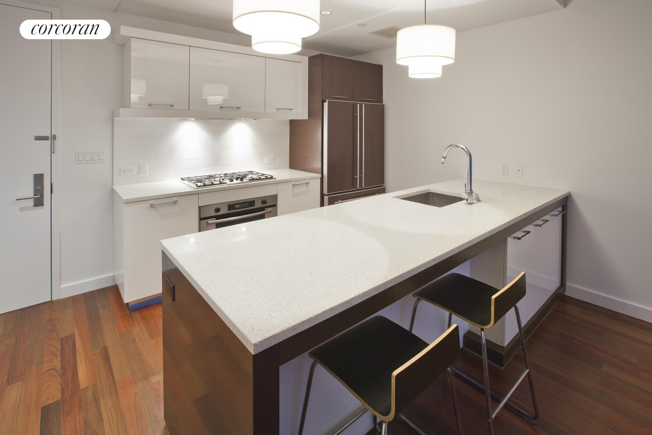 125 North 10th Street, S4I, Kitchen