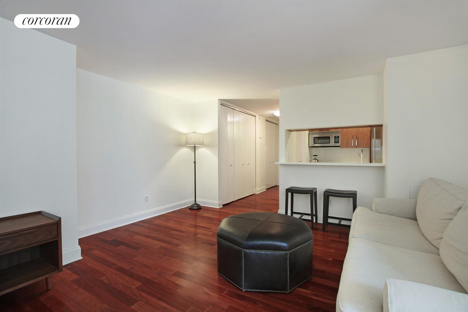 88 Greenwich Street, 1316, Spacious living space with sunny exposure