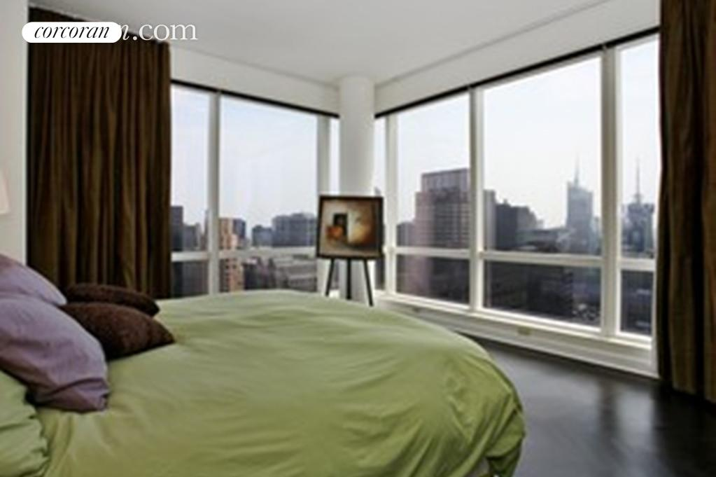 230 West 56th Street, 66B, Southern Views of Times Square