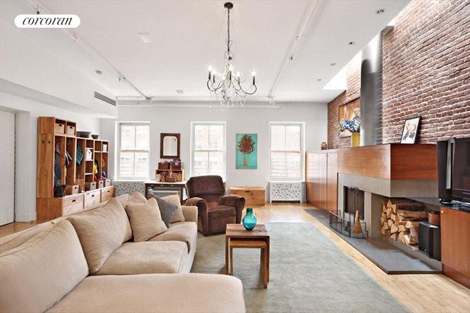 363 Greenwich Street, Living Room