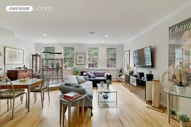 9 Evans Street, Spacious Living Room/dining Area Measures ...