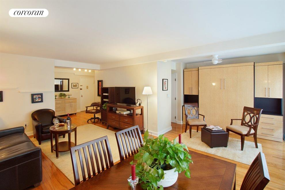 New York City Real Estate | View 333 East 46th Street, #9C | Dinner parties happen here!