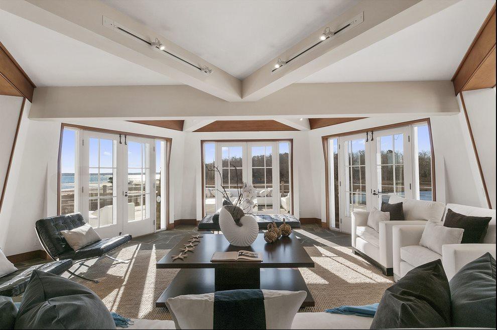 Living area overlooks forever preserve