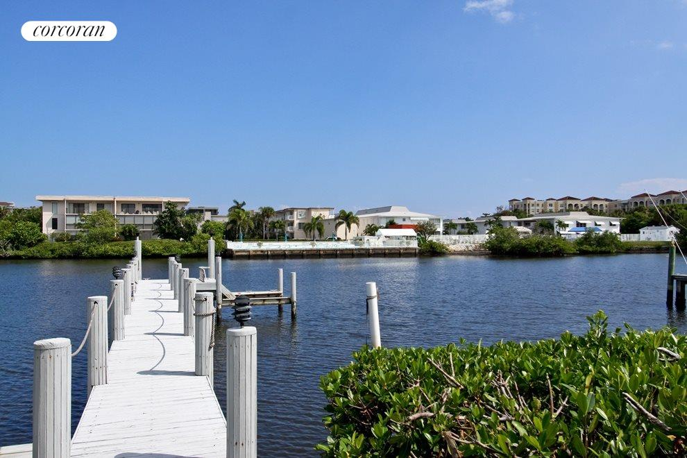 Intracoastal dockage for up to 35' boat