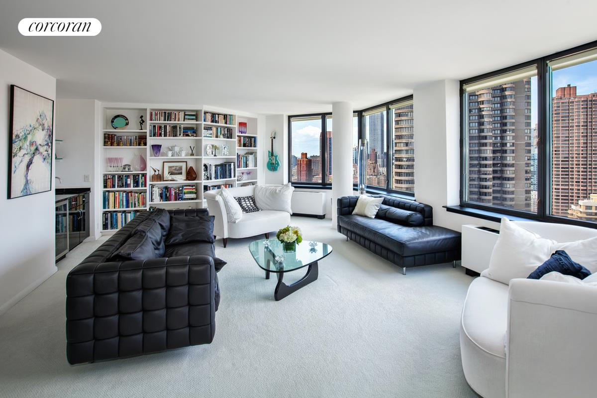 415 East 37th Street, PH43K, View