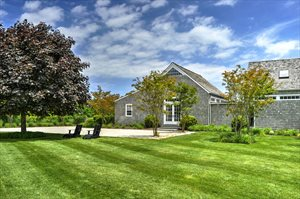 699 Butter Lane, Bridgehampton