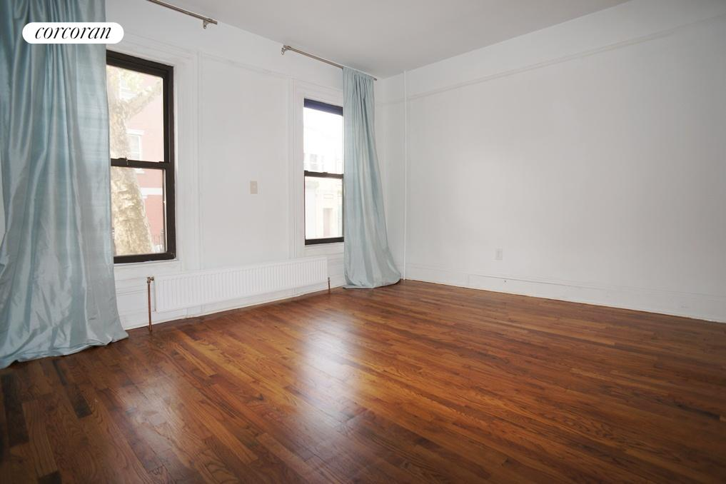 97 North 7th Street, 1, Living Room