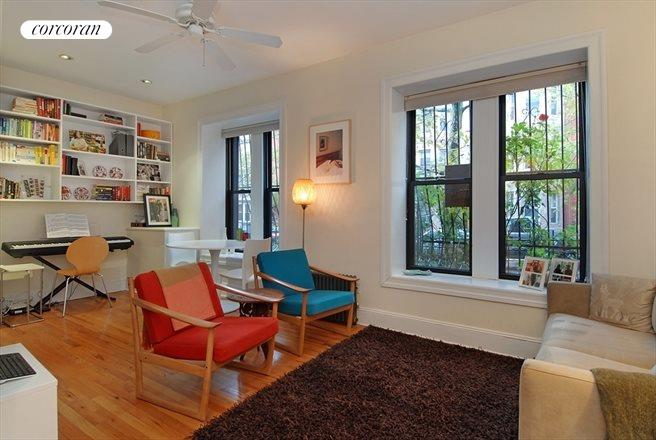 322 6th Street, 2, Living Room