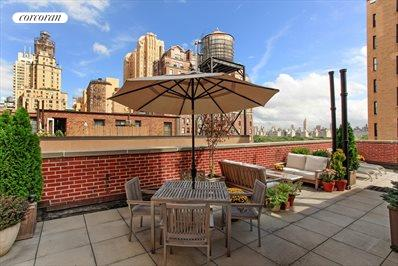 Approx 1,000sf Roof Deck