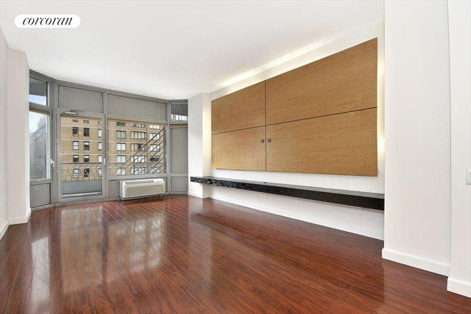 200 East 32nd Street, 5B, Wide and Long Living/Dining Room