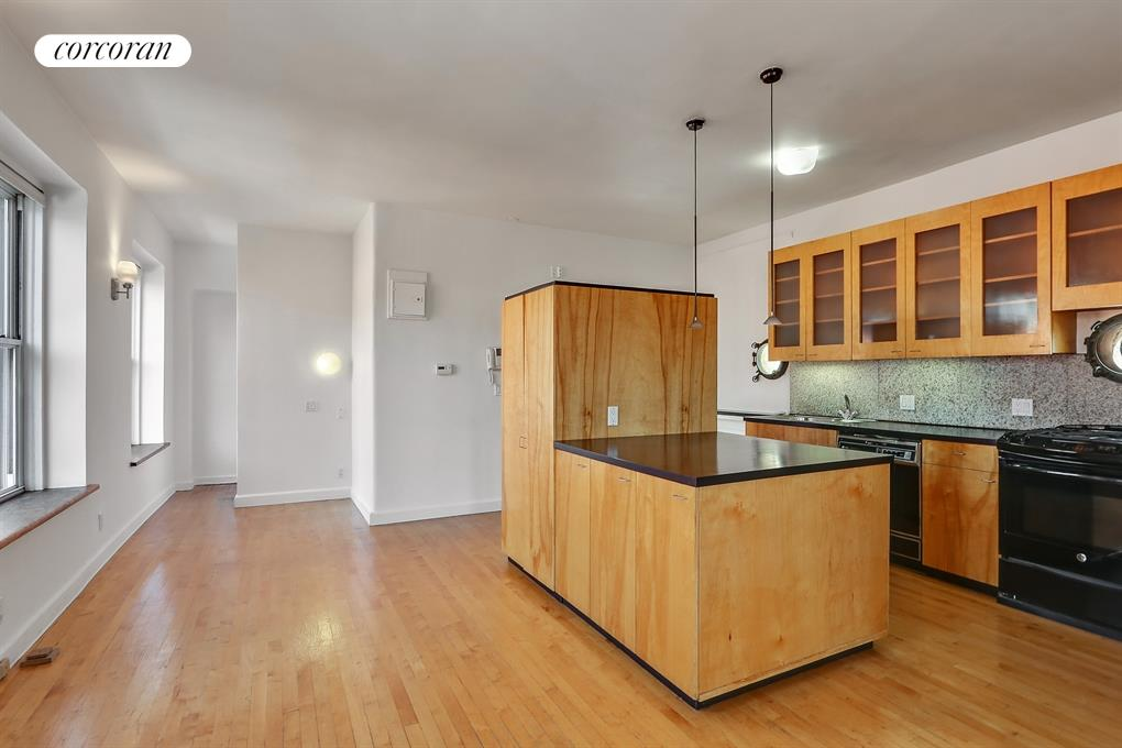 799 Greenwich Street, 4S, Living Room