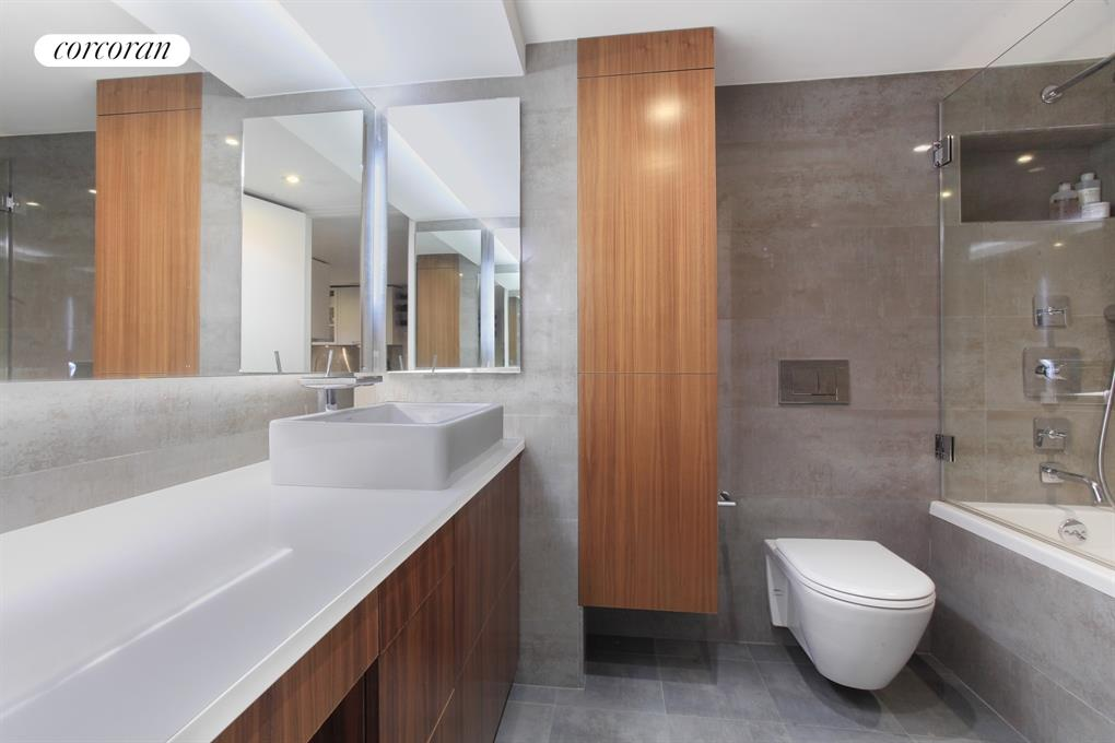 Designer bathroom with Hansgrohe fixtures