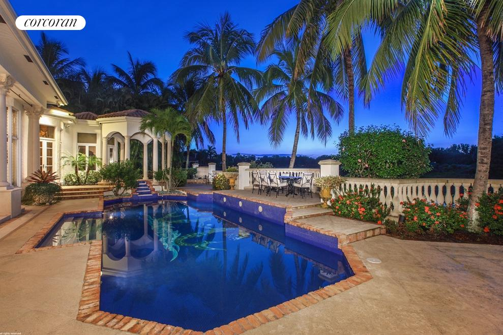 7521 Isla Verde Way, House Exterior