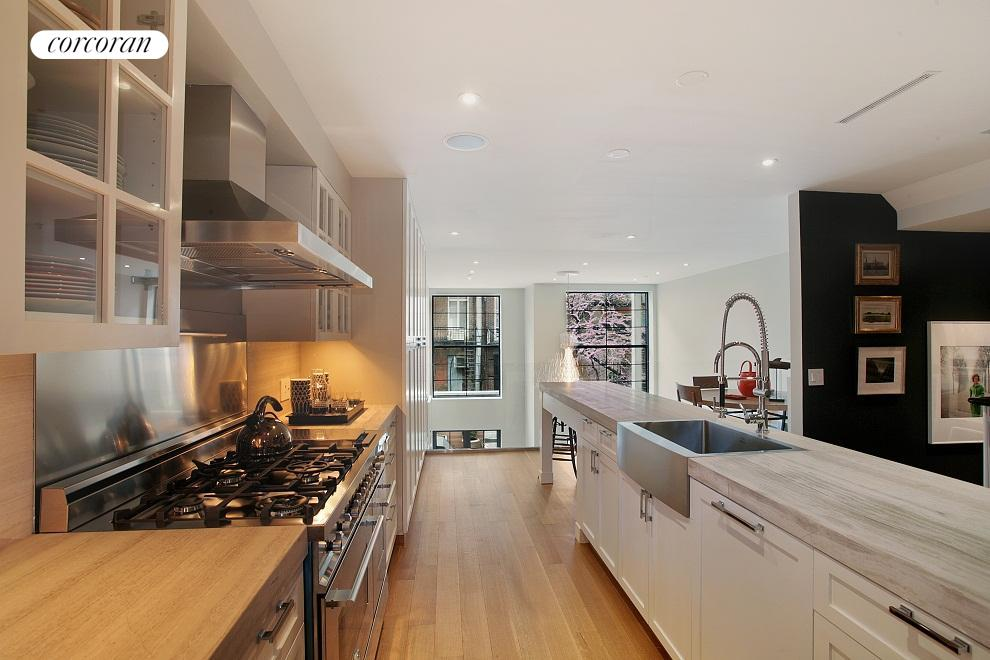 Oversized eat-in kitchen