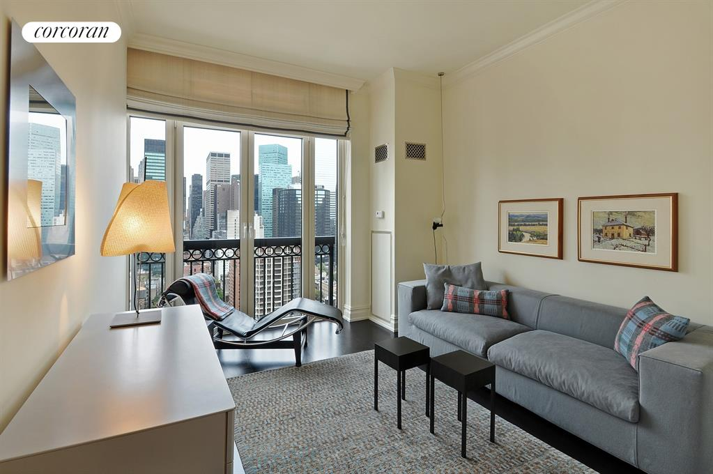 400 East 51st Street, 24B, Grand Living/Dining Room