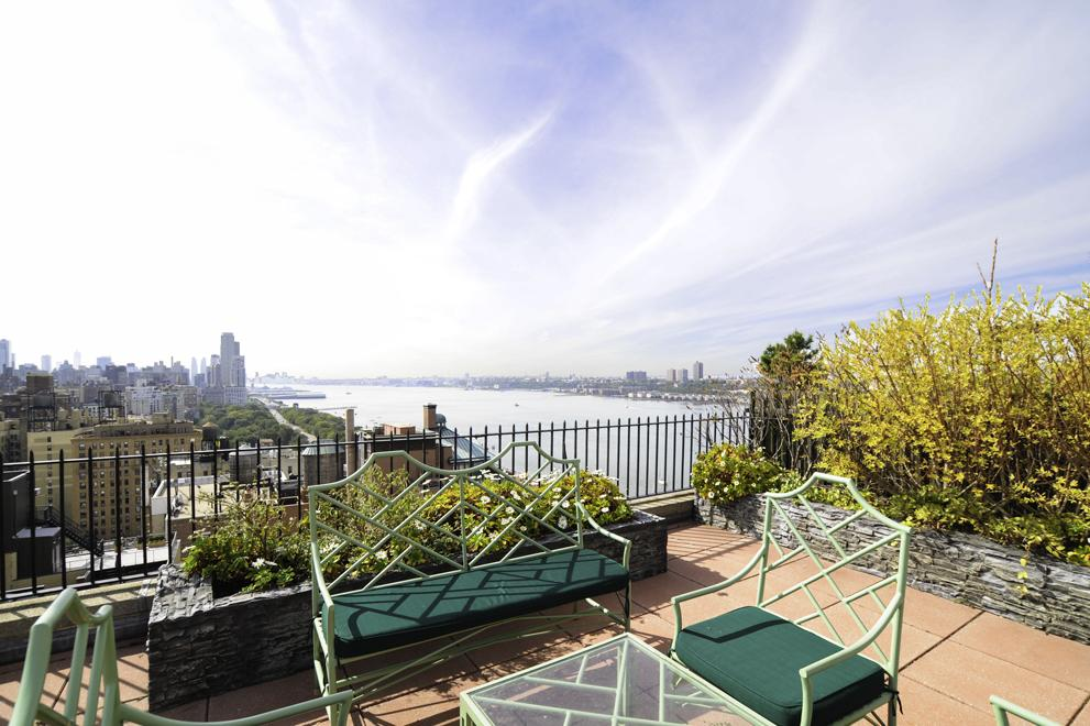 140 Riverside Drive, 19HO, Outdoor Space